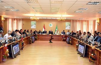 محافظ الشرقية: تنظيم لقاءات جماهيرية لتوعية المواطنين بإجراءات قانون التصالح في مخالفات البناء   صور