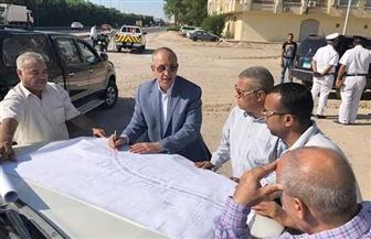 محافظ البحر الأحمر يتفقد تطوير ورفع كفاءة طريق المطار في الغردقة| صور