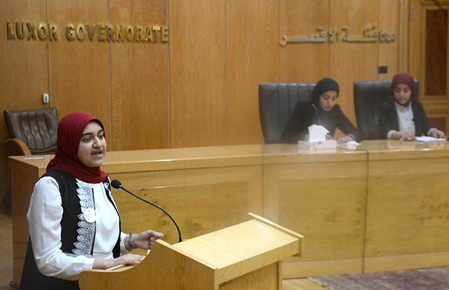 """جلسة برلماني الطلائع والشباب """"للنهوض بالتعليم"""" بالأقصر"""