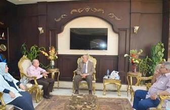 محافظ البحر الأحمر يناقش مشروعات الكهرباء مع رئيس مجلس إدارة شركة القناة| صور