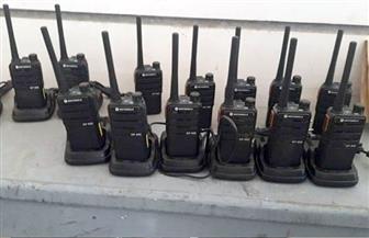 إحباط محاولة تهريب كمية من أجهزة اللاسلكي وأجهزة التتبع بمطار برج العرب