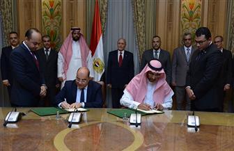 """""""العصار"""" يوقع اتفاقية مع شركة سعودية لتسويق منتجات """"الإنتاج الحربي"""" بالخليج"""