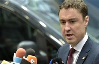 رئيس وزراء إستونيا ينجو من تصويت بحجب الثقة