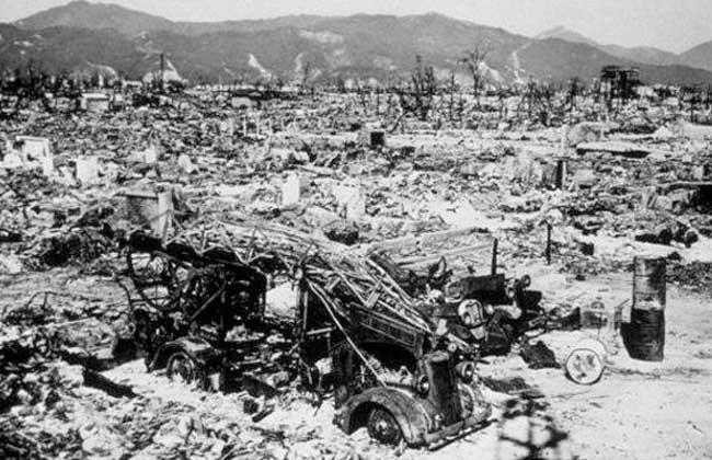 أغسطس ذكرى يوم أسود في التاريخ قنبلة هيروشيما الذرية تقتل  ألف شخص | صور