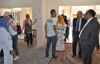 رئيس جامعة حلوان يتابع الكشف الطبي للطلاب الجدد