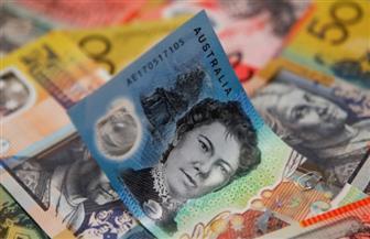 الدولاران الأسترالي والنيوزيلندي يهويان.. والين يصعد بعد خفض الفائدة في نيوزيلندا