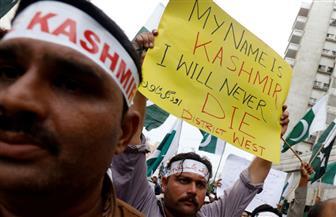 احتجاجات في كشمير الهندية واستمرار قطع الاتصالات والإنترنت