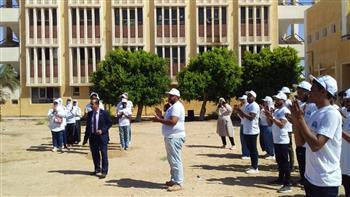 جامعة أسوان تنظم معسكرا طلابيا في قرية المنصورية  | صور