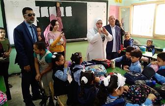 مدارس كفر الشيخ تستقبل تلاميذ رياض الأطفال بالهدايا والأغاني