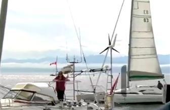 عجوز تجوب العالم بقارب في رحلة استغرقت 330 يوما   فيديو
