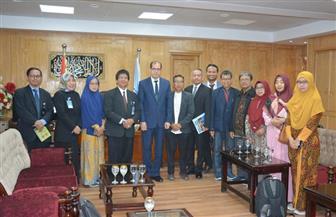 نائب رئيس جامعة الأزهر يستقبل وفدا إندونيسيا لبحث آفاق التعاون المشترك