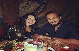 بالشموع وأجواء رومانسية.. يوسف الشريف يحتفل بعيد ميلاده برفقة زوجته |صور