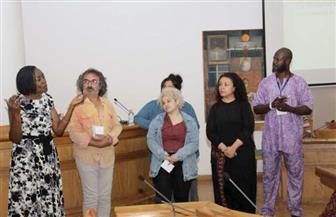 أكاديمية أوغندية تقدم تجربة بصرية مغايرة في ندوتها بمهرجان المسرح المعاصر والتجريبي | صور