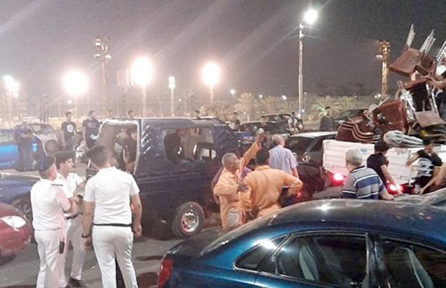 حملة مسائية لإعادة الانضباط إلى ميدان العتبة في حي الموسكي