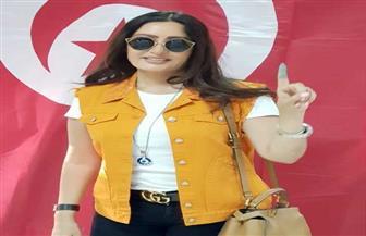 لطيفة تدلى بصوتها فى الانتخابات الرئاسية التونسية