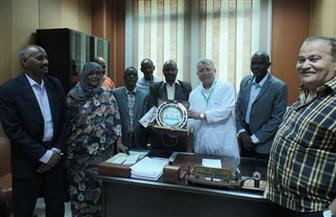 وفد نقابة الأعمال المالية السودانية يزور مؤسسة الكبد المصري | صور