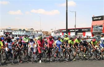 150 طالبا وطالبة يشاركون في المهرجان الرياضي للدراجات بالسويس| صور