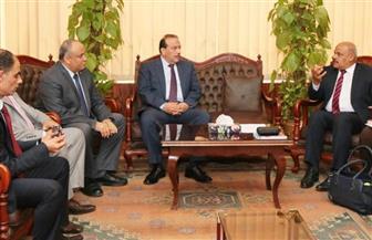 رئيس جامعة طنطا يبحث مع وفد مجلس الوزراء تفعيل منظومة الشكاوى داخل الكليات| صور
