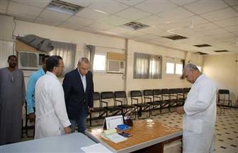 محافظ قنا يقرر تحويل مسئولي مستشفى الصدر للتحقيق | صور