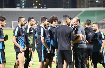 لاعبو المصري يرحبون بمدربهم بعد عودته من الوعكة الصحية