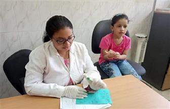 الكشف على 1050 مريضا خلال قافلة طبية بقرية السلامونى فى سوهاج| صور