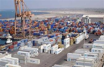 نشاط في تداول الشاحنات والبضائع بموانئ البحر الأحمر