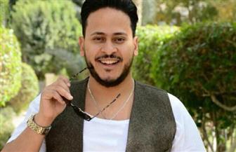"""كريم عفيفي بزي المدرسة على إنستاجرام: """"كفاية بحر وإجازة"""""""