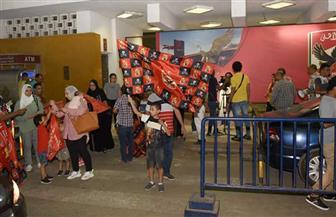 جماهير الأهلي تحتشد أمام مقر النادي للاحتفال بكأس السوبر