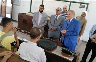 رئيس جامعة الأزهر يستقبل الطلاب بالهدايا ويعد بحل مشكلة السكن لطلاب الفرقة الثانية