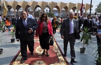 وسط حضور طلابي كثيف.. رئيس جامعة حلوان يشهد حفل استقبال العام الجامعي الجديد | صور