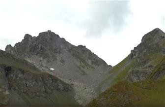 جنازة رمزية لناشطين سويسريين لنهر جليدي سيختفي بفعل ظاهرة الاحتباس الحراري | فيدبو