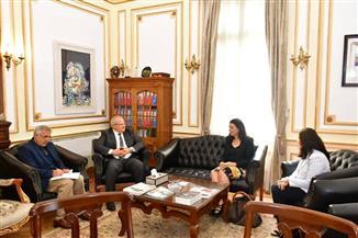 رئيس جامعة القاهرة يستقبل رئيس هيئة فولبرايت ووفد معهد التعليم الدولي بأمريكا