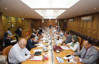 محافظ قنا يعقد اجتماع المجلس الإقليمي للسكان