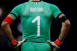 بوفون يعادل رقم مالديني القياسي في الدوري الإيطالى