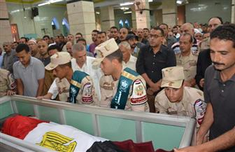 تشييع جثمان الشهيد أحمد أيوب بمسقط رأسه بكفر الشيخ هلال في ميت غمر | صور