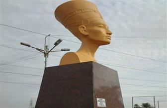 بعد إزالة التمثال المشوه.. كيف تحولت رأس نفرتيتي من القبح إلى الجمال؟