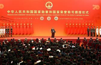 بالعروض العسكرية وتماثيل ماو.. الصين تحتفل بالذكرى السبعين لتأسيسها | صور