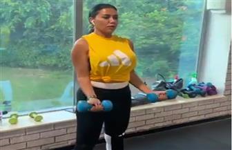 رانيا يوسف تؤدي تدريبات قاسية داخل الجيم| فيديو