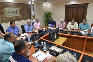 محافظ مطروح: لجنة لوضع حلول لارتفاع منسوب المياه بسكك حديد الحمام