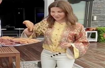 نانسى عجرم تمارس الطبخ في منزلها   صور
