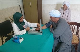 جامعة جنوب الوادي: الكشف الطبي على 600 مريض بقرية الطويرات   صور