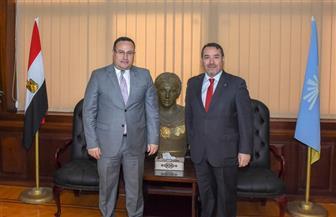 محافظ الإسكندرية يستقبل سفير شيلي لدى مصر لبحث سبل تعزيز العلاقات|صور