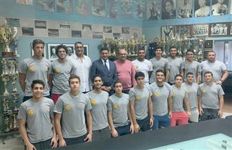 سفير مصر في بلجراد يبرز تنامي التعاون الرياضي بين مصر وصربيا خلال لقائه مع فريق الناشئين لكرة الماء| صور