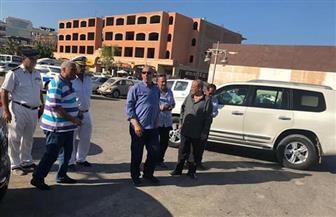 محافظ البحر الأحمر يتابع تطوير شارع الشيراتون ويتفقد سوق الخضار الجديد ومتحف الغردقة | صور