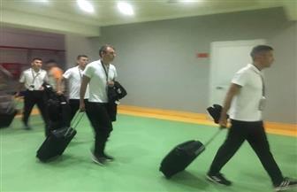 طاقم حكام مباراة نهائي كأس مصر يصل إلى ملعب برج العرب