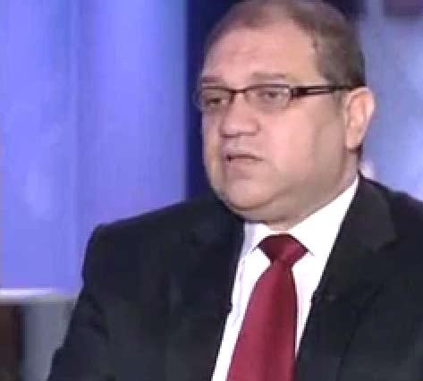 دكتور خالد سمير استاذ جراحه القلب