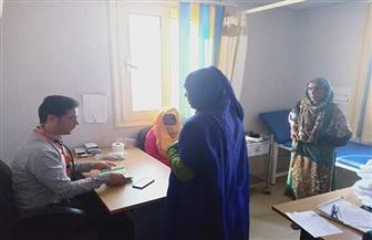 الكشف على 456 مواطنا في قافلة طبية لجامعة عين شمس بحلايب والشلاتين| صور