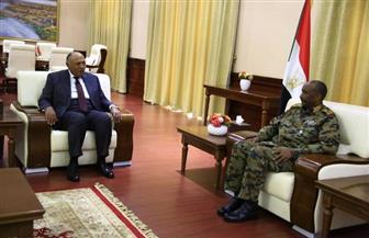 وزير الخارجية ينقل رسالة دعم للسودان من الرئيس السيسي إلى رئيس السيادي السوداني