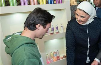 وزيرة التضامن تتابع معرض ديارنا للحرف اليدوية والمبيعات تتخطى المليون ونصف المليون | صور