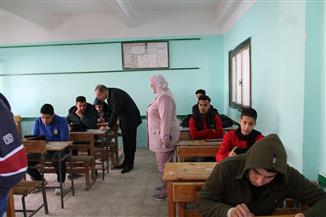 محافظ كفر الشيخ يتفقد لجان امتحانات النقل| صور